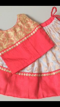 hand sewn skirt and blouse in Indian style Baby Girl Frocks, Kids Frocks, Frocks For Girls, Baby Girl Dresses, Kids Indian Wear, Kids Ethnic Wear, Kids Dress Wear, Kids Gown, Kids Blouse Designs