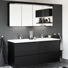 Vedum har et stort utvalg av baderomsmøbler gulvebelegg fra Tackett Bathroom Renovations, Interior Decorating, Decorating Ideas, Double Vanity, Villa, Room Ideas, Inspiration, Furniture, Instagram