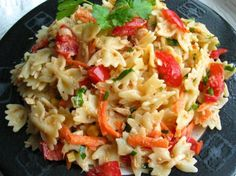 HEALTHY tuna & pasta salad - I add olives instead of the carrot and serve it on a lettuce leaf. YUMM!