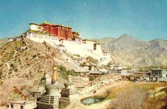 """Tibet, Lhassa - 1950 - """"Le Potala"""" - palais d'hiver de tous les Dalaï Lama -"""