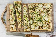 Sommer-Flammkuchen - Rezepte | fooby.ch Zucchini, Yummy Food, Vegetables, Cooking, Quiche, Dinners, Summer, Pies, Vegetarische Rezepte
