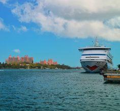 AIDAvita in front of Paradise Island / Nassau!