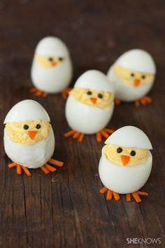 Skip the plain old deviled eggs for these adorable hatching chicks. They're sure to be the hit of your Easter brunch Skip the plain old deviled eggs for these adorable hatching chicks. They're sure to be the hit of your Easter brunch Easter Lunch, Easter Eggs, Easter Food, Chick Deviled Eggs Recipe, Chicken Deviled Eggs, Easter Appetizers, Snacks Für Party, Food Decoration, Easter Treats