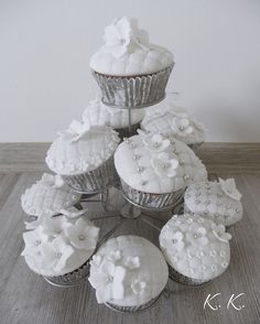 Wedding white cupcakes