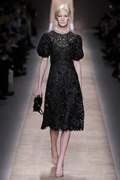 One piece from Valentino RTW Spring 2013 I like! Miu Miu, Valentino, Black Cocktail Dress, Cocktail Dresses, Fashion News, Ready To Wear, Runway, Short Sleeve Dresses, Formal Dresses