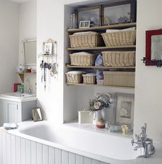 53 Bathroom Organizing And Storage Ideas – Photos For Inspiration Try this in the window