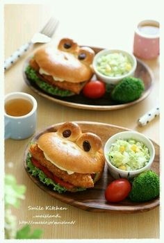 Frog burger♡ so cute Cute Food, Good Food, Yummy Food, Bento Recipes, Cooking Recipes, Food Carving, Food Decoration, Food Humor, Kid Friendly Meals
