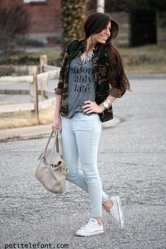 graphic tee, camo, skinny jeans, converse, fashion, blogger, how to, comfy, casual