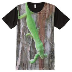 Shop Green Anole Lizard Lunchtime T-Shirt created by CatsEyeViewGifts. Stylish Shirts, S Shirt, Fashion Over 50, Custom Design, Print Design, Clothing Apparel, Green, Prints, Style