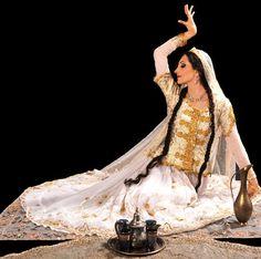 persian girl group dance