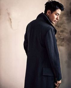 With the premiere date of That Winter, The Wind Blows fast approaching, its leads are doing their part to promote it, with Song Hye Kyo appearing in Volume 95 of High Cut and now, with Jo In Sung g… Korean Drama Stars, Korean Star, Korean Men, Korean Face, Actors Male, Asian Actors, Korean Actors, Asian Celebrities, A Frozen Flower