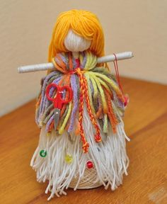 Pom Pom Crafts, Yarn Crafts, Diy And Crafts, Crafts For Kids, Yarn Dolls, Finger Knitting, Dream Catcher, Sculptures, Crochet Patterns