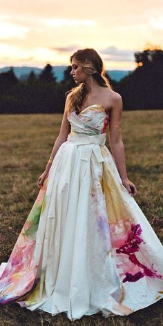 36 Ultra-Pretty Floral Wedding Dresses For Brides – wedding gown Floral Wedding Gown, Wedding Colors, Wedding Styles, Floral Gown, Wedding Shot, Gown Wedding, Unique Colored Wedding Dresses, Unique Wedding Dress, Movie Wedding
