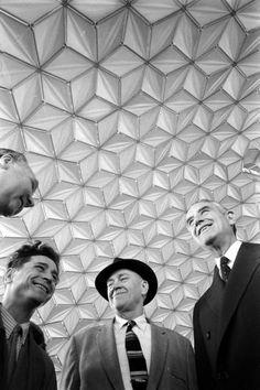 Geometric Exhibition Ceiling