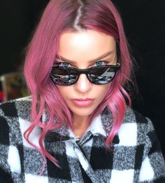 """Loving the 🥝 vibes by Lauren German, Chloe Decker, Woman Movie, Tom Ellis, Girl Smoking, Cosplay, Celebrity Hairstyles, Beautiful Actresses, Pink Hair"