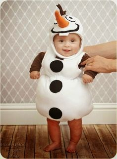 Fabulous FREE pattern for a Frozen inspired Olaf costume that is perfect for littlies ...