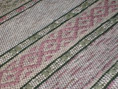 Textiles, Woven Rug, Bohemian Rug, Hand Weaving, Crafty, Rag Rugs, Tyger, Inspiration, Rug Ideas