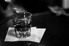 4 Steps to Drinking Whiskey Neat | This is basically exactly what I did (without planning it) and it's true - it's hilarious how impressed people are when a girl orders whiskey straight up. I've even had a waiter give my drink to my date because he assumed it must be for the man!