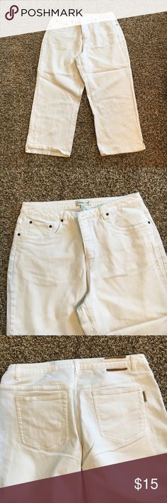 White denim capris Bright white denim capris. In excellent condition except for small black stain on back waistband and soft pieces left from where tag was cut off. They could be removed. Neither will show with a top that is left untucked. Very nice white denim capris Coldwater Creek Jeans Ankle & Cropped