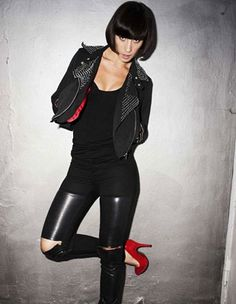 Medina<3  i would KILLLLL to see her live.