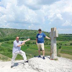 """Den """"Gipfel"""" erreicht... #taipantouristik #moldau #moldova #moldawien #rundreise #wanderlust #wandern #reisen #immereinereisewert #urlaub #reiseblogger #landschaft Wanderlust, Instagram, Moldova, Round Trip, Hiking, Landscape, Vacation, Viajes"""