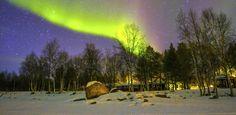 Aurora Boreal, Rovaniemi, Finlandia Arctic Snow Hotel http://noticias.bol.uol.com.br/ultimas-noticias/entretenimento/2016/08/31/hotel-da-finlandia-busca-pessoa-para-ser-cacadora-de-aurora-boreal-topa.htm