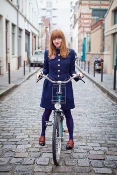 Look how perfectly cut this coat is for #bicycling.