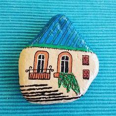 #tasboyama #taşboyama #tasboyamasanati #taşboyamasanatı #kendinyap #elisi #elişi#boya #boyama #akrilikboya #pebble #pebbleart #stone #paintedstone #diy #doityourself #handmade #handpainted #posca #edding #fabercastell #stabilo #pebblehouse #hobi #hobby #elsanatı #craft