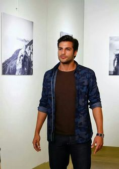 Serkan Cayoglu Denim Button Up, Button Up Shirts, Cherry Season, Fox Tv, Turkish Actors, Best Tv, Cute Couples, Handsome, Actresses