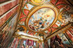 Hampton Court Palace - Queens Drawing room ceiling...