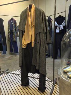 Pantaloni YOHJI YAMAMOTO Camicia e Cappotto LIMI FEU http://www.lenastore.it/portfolio/look-53lenastore/