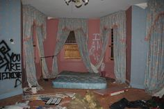 blue pink room old abandoned mattress aesthetic messy Im Losing My Mind, Lose My Mind, This Is Your Life, Weird Dreams, Coping Mechanisms, Creepy Cute, Scary, After Life, Pink Aesthetic