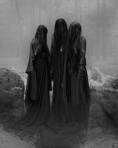 Gothic Horror, Arte Horror, Horror Art, Creepy, Scary, Weird Sisters, Arte Obscura, Dark Photography, Macabre Photography