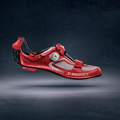 the S-Works Trivent is the most highly engineered triathlon shoe in the world, featuring a revolutionary new Boa® dial closure system designed to minimize transition time, temperature-regulating construction, and Body Geometry ergonomics. Bike Shoes, Cycling Shoes, Cycling Gear, Triathlon Shoes, Performance Cycle, Bike Style, Fitness Inspiration, Bicycle, Footwear