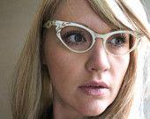 Vintage 50's Ivory Zylite Scalloped Cat Eye Sunglasses
