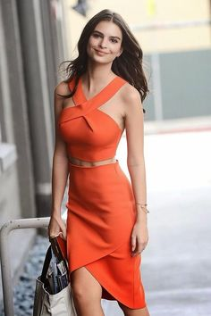 How to Chic: EMILY RATAJKOWSKI SIMPLY BEAUTIFUL! - SHOP THE LOOK Different color please