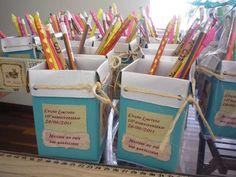 Caixa tetra pack reciclada. Lembrancinha ' porta lápis'.