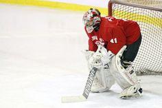 GK バクギェフン(24歳)がHigh1と契約。186cm, 82kg の大型ゴーリーで高麗大在学中に、2014 Euro Ice Hockey Challengeで韓国代表入り。イタリア戦に出場して4-3で勝利を収めた /  '박계훈이 돌아왔다' 하이원과 계약 - Winter News Korea