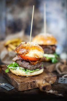 Najsmaczniejsze, domowe burgery! Kuchnia USA. Kulinarne Podróże Electrolux!