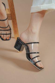 bettina Day And Time, Peep Toe, Heels, Black, Fashion, Heel, Moda, Black People, Fashion Styles