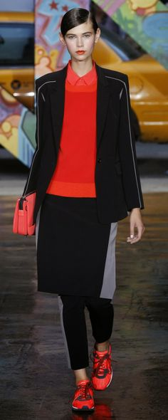 DKNY NEW YORK SHOWS AN EMPOWERING SPRING/SUMMER 2014 WOMENSWEAR COLLECTION