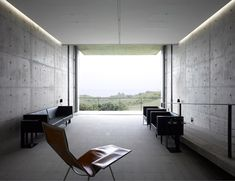 Japanese architect Tadao Ando has completed a concrete house on the edge of a cliff in southern Sri Lanka, writes Yuki Sumner. Minimal Architecture, Concrete Architecture, Japanese Architecture, Space Architecture, Tadao Ando, Casa Bunker, Concrete Interiors, Concrete Houses, Interiores Design