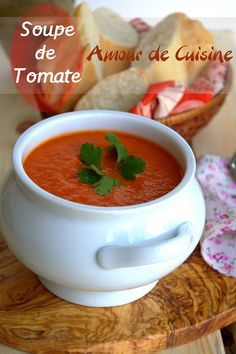 tomato soup, perfect and velvety – Amour de cuisine Brocoli Soup, Eden Foods, Rinder Steak, Soup Recipes, Healthy Recipes, Soup Appetizers, Smoothies, Good Food, Yummy Food