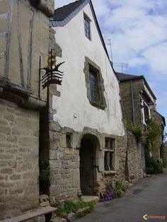Vannes, Brittany, France  Maisons biscornues à Auray