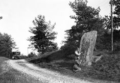 The imposing Viking runestones which dot the Swedish countryside Younger Futhark, Rune Stones, Old Norse, 11th Century, Viking Age, Stone Carving, Ancient Civilizations, Archaeology, Sweden
