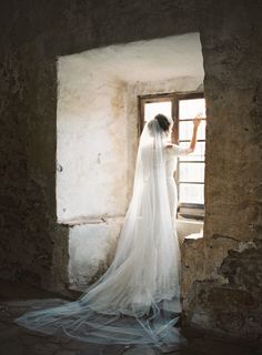 Spanish Mission Inspired Romantic Bridal Session | Wedding Sparrow | Mint Photography