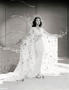 "Hedy Lamarr In ""Ziegfeld girl"" 1941 Black and white Old Hollywood Glamour, Hollywood Stars, Classic Hollywood, Hollywood Divas, Hollywood Icons, Hollywood Fashion, Vintage Hollywood, Turner Classic Movies, Classic Movie Stars"