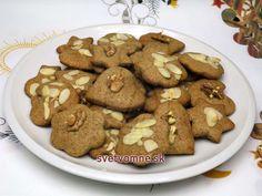 Pohánkové medovníky • Recept | svetvomne.sk Brunch, Cookies, Baking, Desserts, Food, Basket, Gluten Free Biscuits, Food Food, Gingerbread Recipes