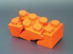 Model of a Broken Lego Brick. made out of lego. Self reference! Lego Design, Lego Technic, Lego Poster, Lego Sculptures, Micro Lego, Lego Boards, Amazing Lego Creations, Lego Construction, Cool Stuff