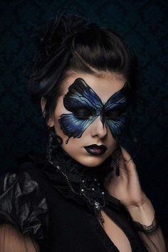 Gothic Madame Butterfly costume make up summer party mask inspiration Renata Ili… - BODY PAINTING Butterfly Makeup, Butterfly Costume, Butterfly Mask, Madame Butterfly, Butterfly Halloween, Butterfly Colors, Butterfly Face Paint, Fantasy Make Up, Dark Fantasy